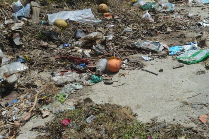 Calle de san rafel con basura